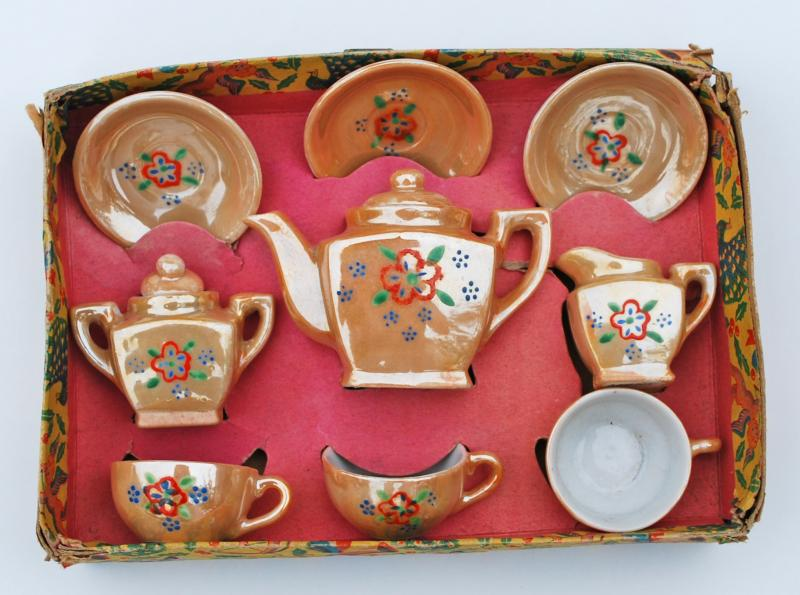 Antique Glass and China Toy Dishes & Silver Quill Antiques and Gifts - Antique Glass and China Toy Dishes
